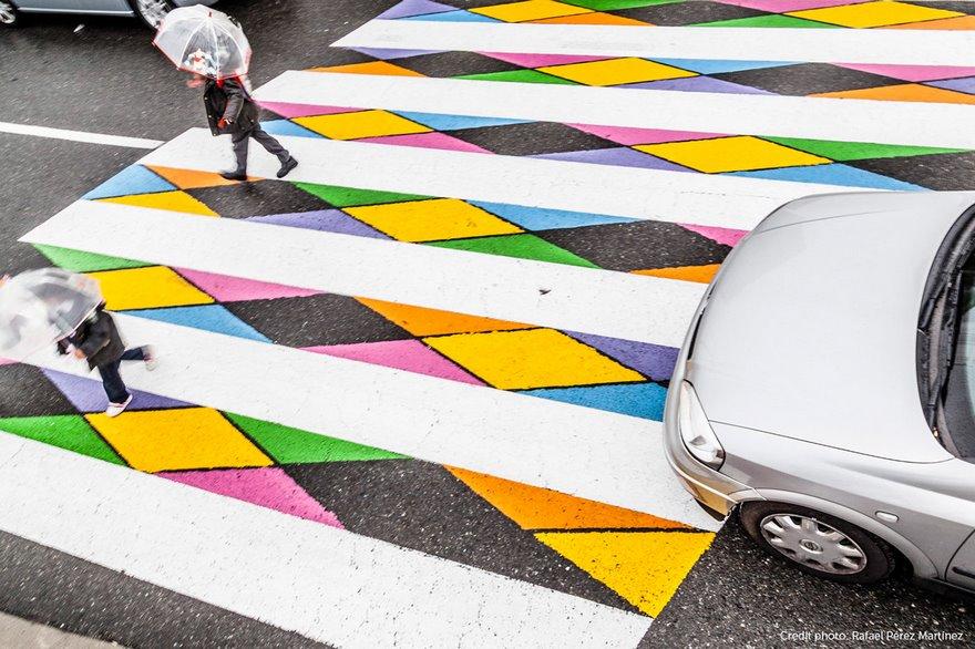 Ver vídeo - Artista dá cor e transforma passadeiras em Espanha