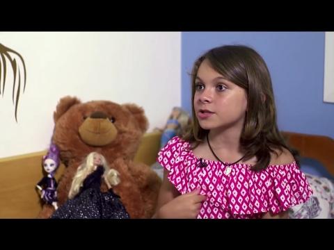 Ver vídeo - Conheça Miguel de 11 anos. Nasceu menino e agora é Melissa.